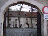 Czerwony Klasztor - brama wjazdowa